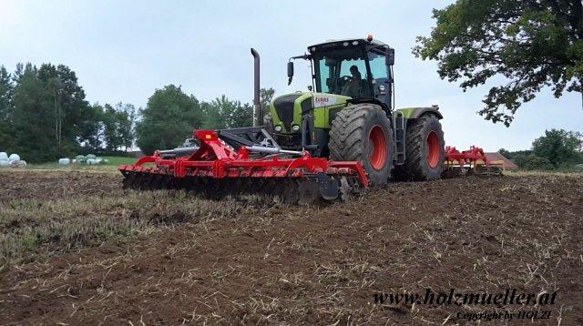 Bodenbearbeitung mit Xerion